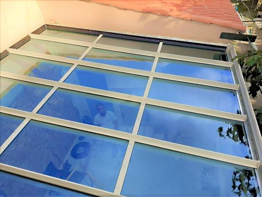 toiture de veranda 83470