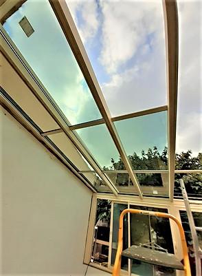 veranda toiture en verre 83170