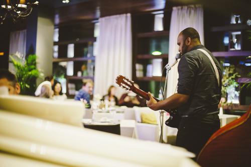 Ресторан с живой музыкой