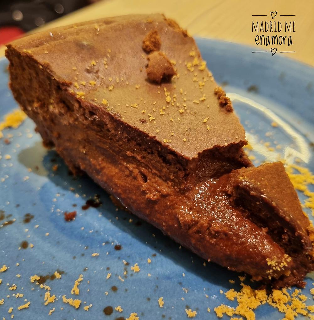 La Tarta chocolatísima está hecha con harina de almendras y chocolate 85%.