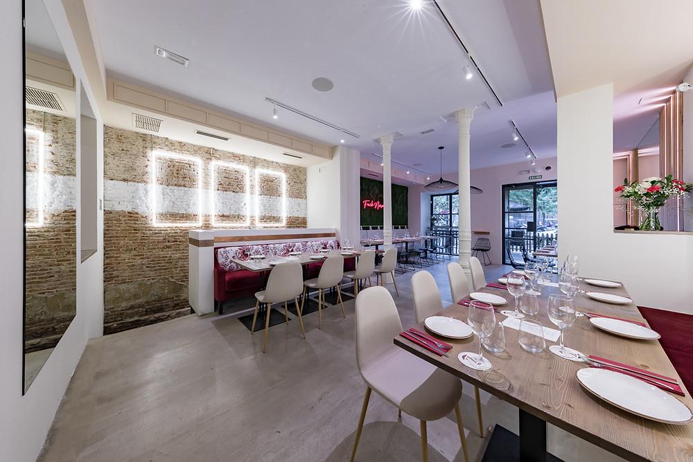 Interior del restaurante Zest Almagro.