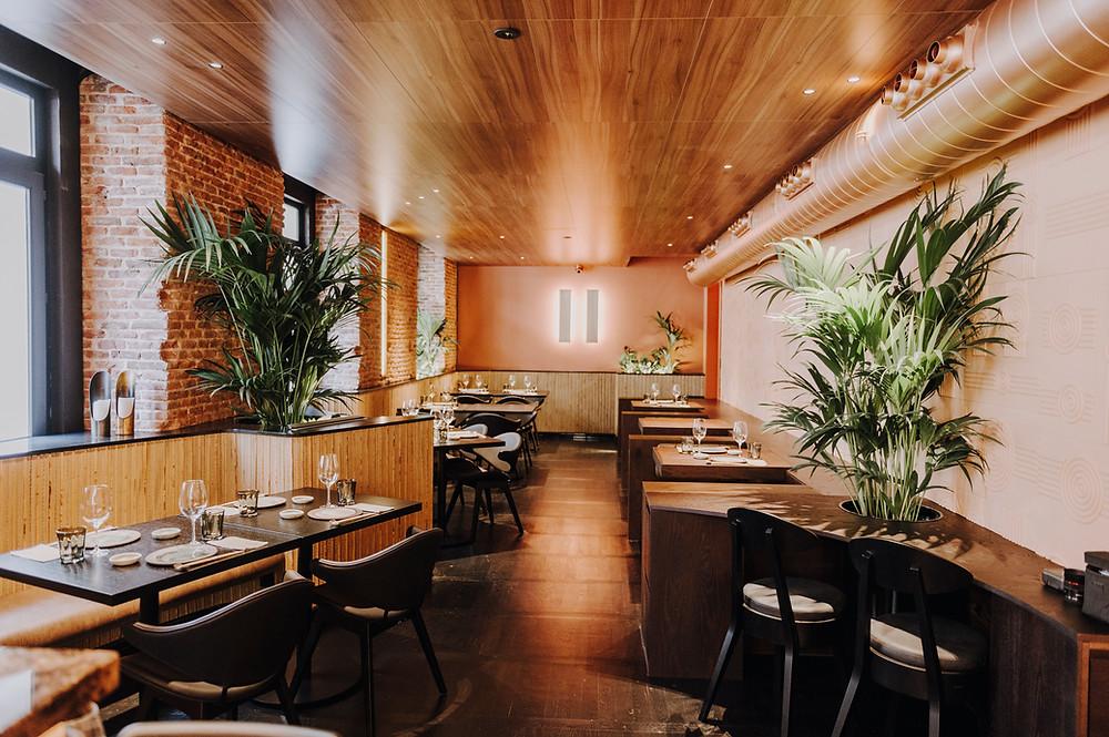 Comedor del restaurante japonés Nomo Braganza.
