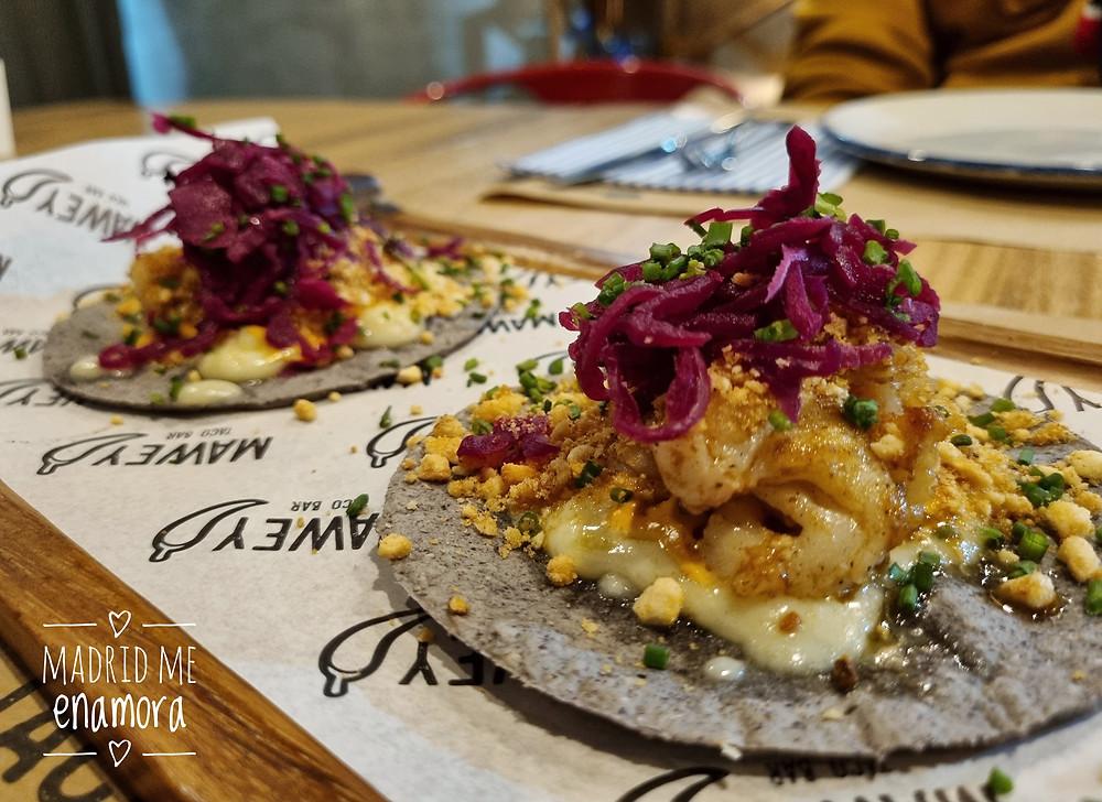 Tacos del Gobernador con queso oaxaca y polvo de kikos son imprescindibles.