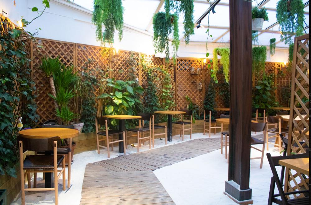 Grama Lounge, restaurante recomendado en Madrid por www.madridmeenamora.com