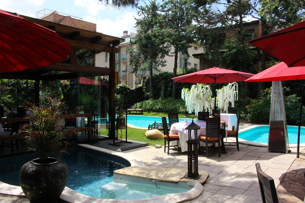 La terraza de Thai Arturo Soria es una de las más bonitas de la capital.