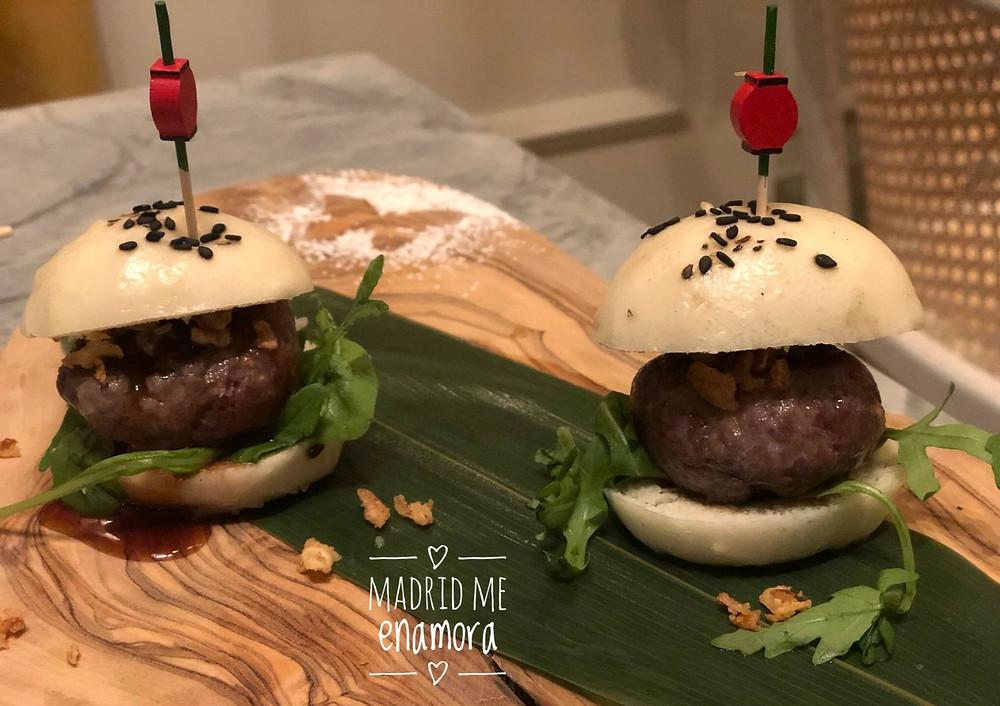 Las mini hamburguesas de wagyu son un irresistible bocado.