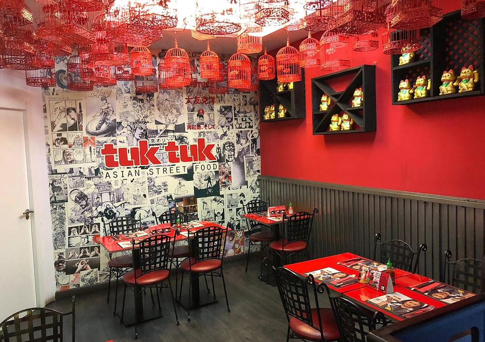 Interior del comedor de Tuk Tuk en la calle Alcalá.