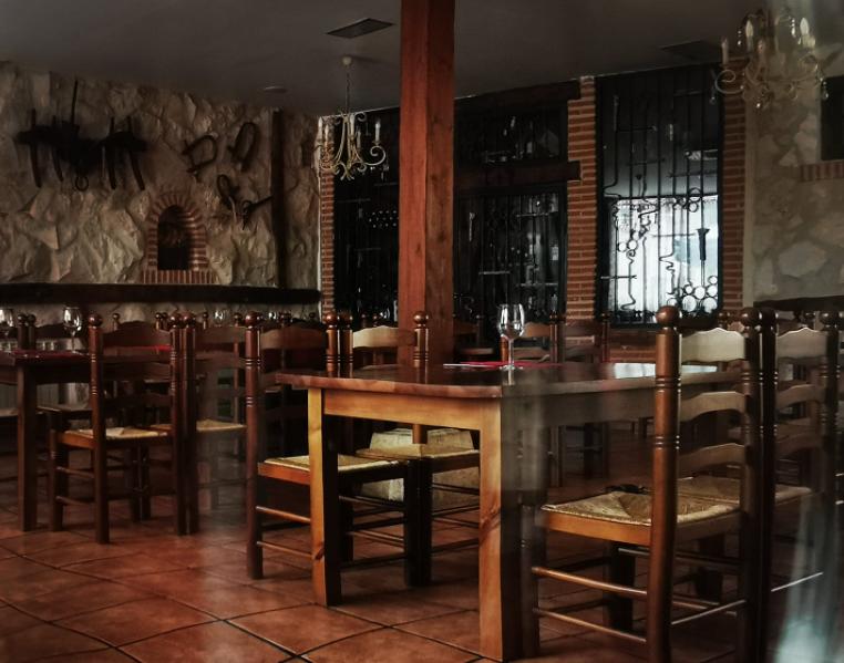 Comedor del restaurante El Tío Macario.