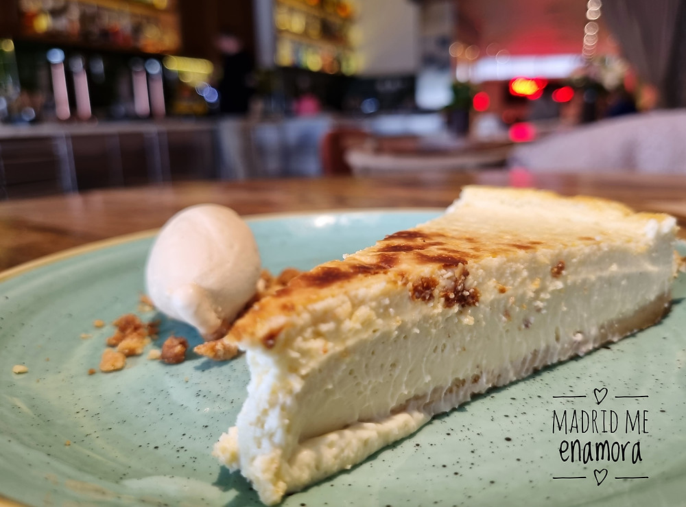 Si te gustan las tartas de queso, te recomendamos probar la cheesecake de Alexs BBQ.