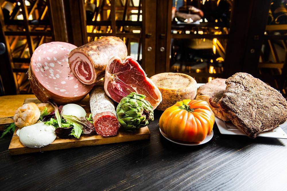 Bodegón de productos tradicionales y auténticos italianos.