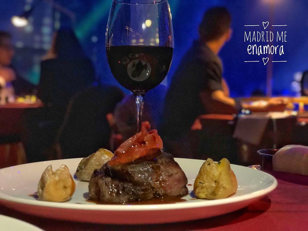 Tentación, dinner show recomendado por www.madridmeenamora.com