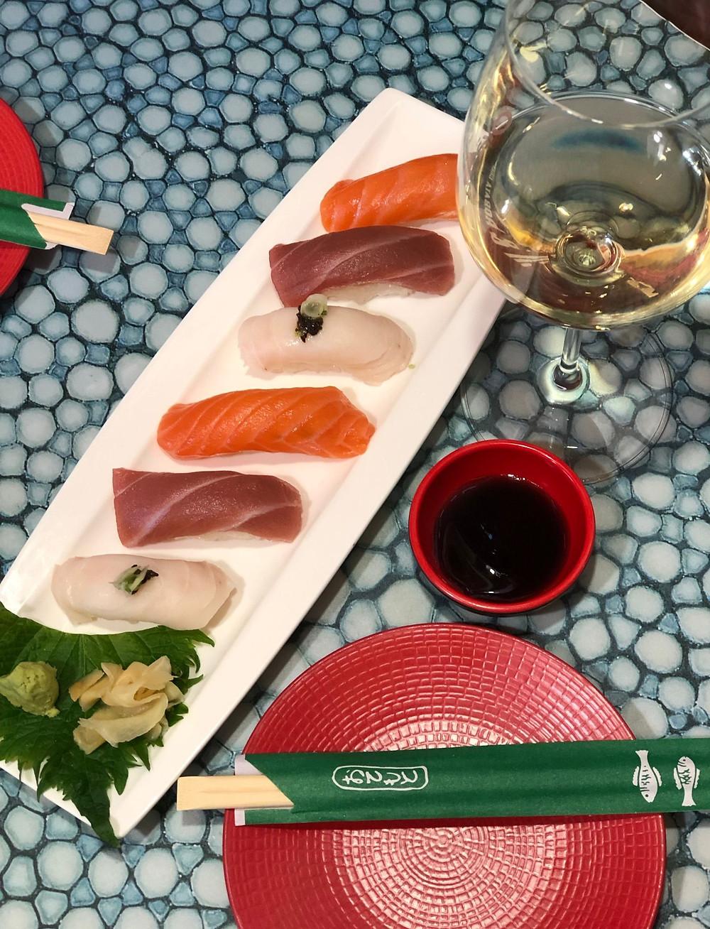 Empezar comiendo unos nigiri es un comienzo ideal.