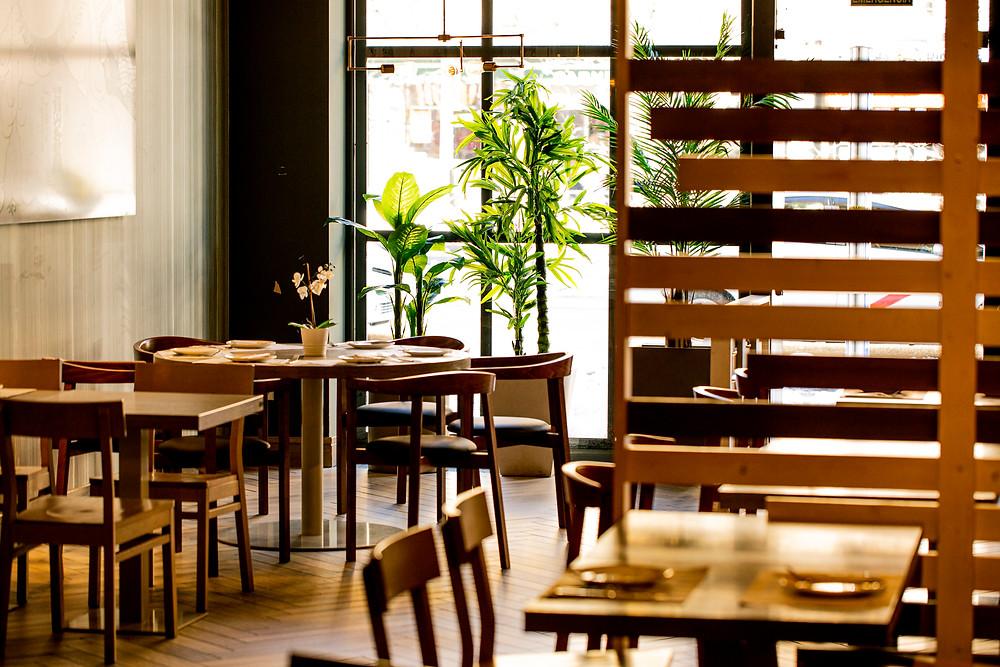 Interior del restaurante Sumo en Francisco Silvela.