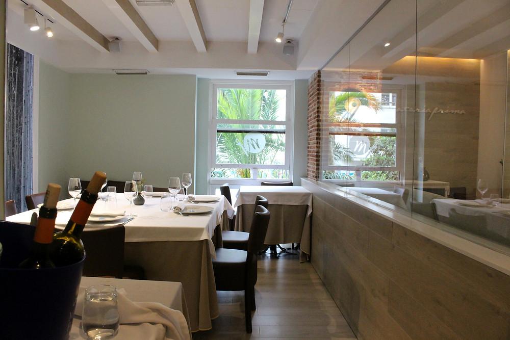 El restaurante Materia Prima es muy acogedor y cuenta con un reservado.
