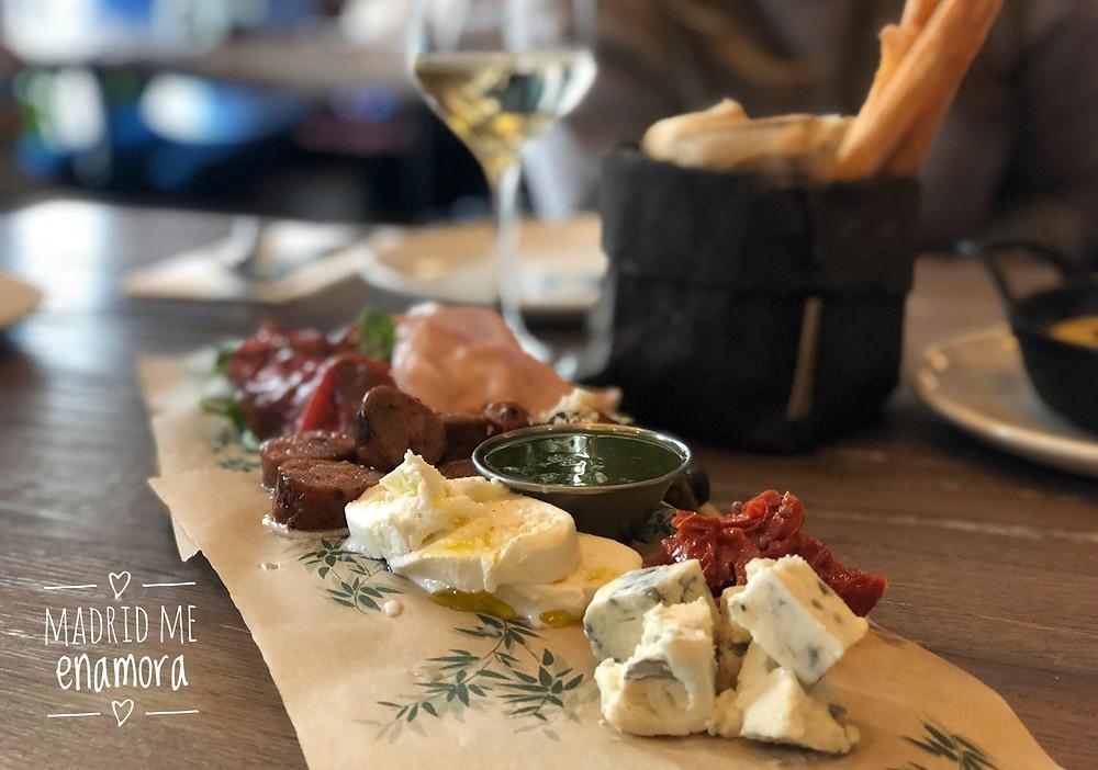Oven Mozzarella Bar, restaurante recomendado en Madrid por www.madridmeenamora.com
