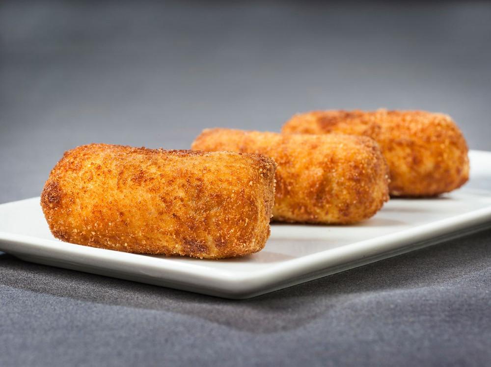 Croquetas de jamón del restaurante Vía Velez. Restaurante recomendado en Madrid