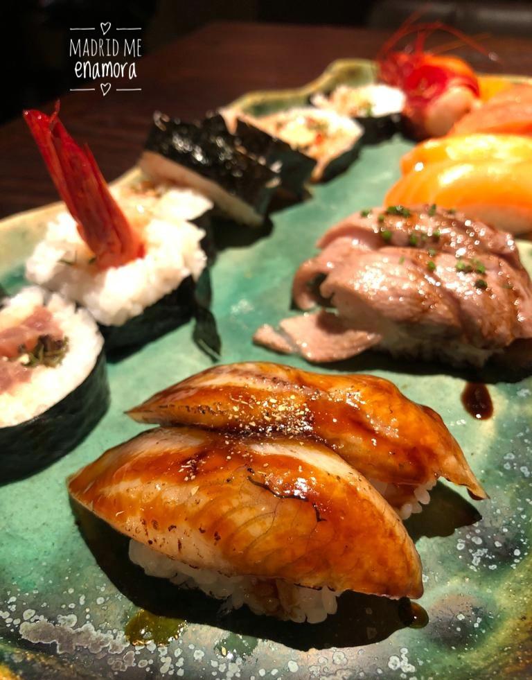 No te puedes ir de Nomo Braganza sin prpbar el sushi.