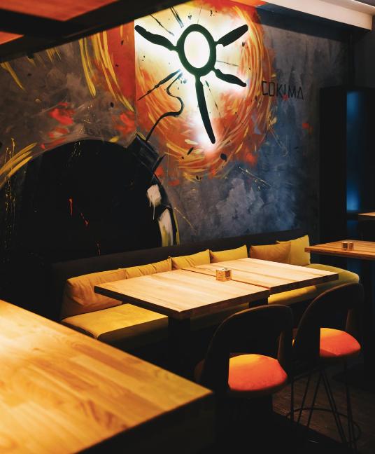 La decoración de Cokima es como su cocina: canalla y desenfadada.