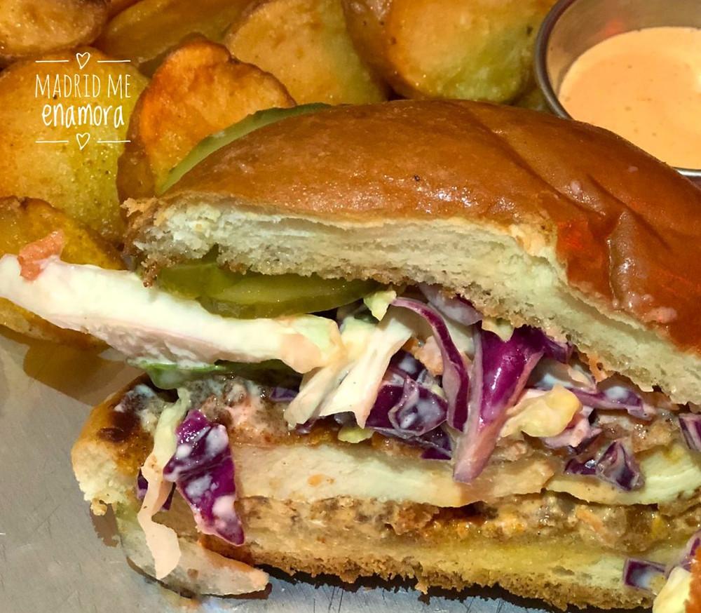 Las hamburguesas de pollo de Rooster son #foodporn en estado puro.