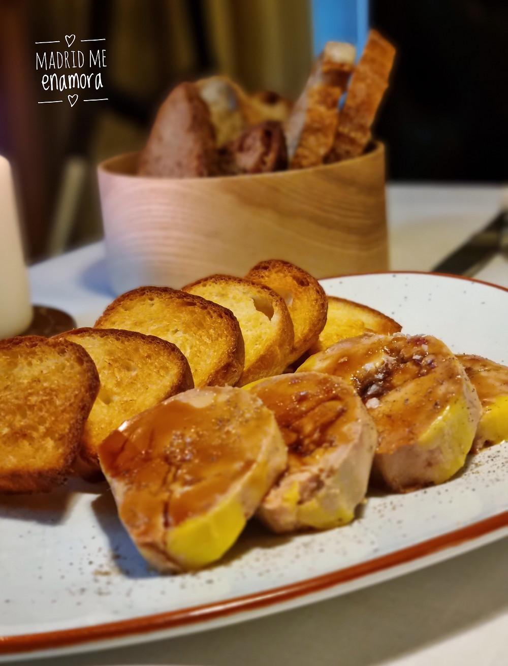 Foie Mi-cuit con reducción de PX y pan brioche tostado.