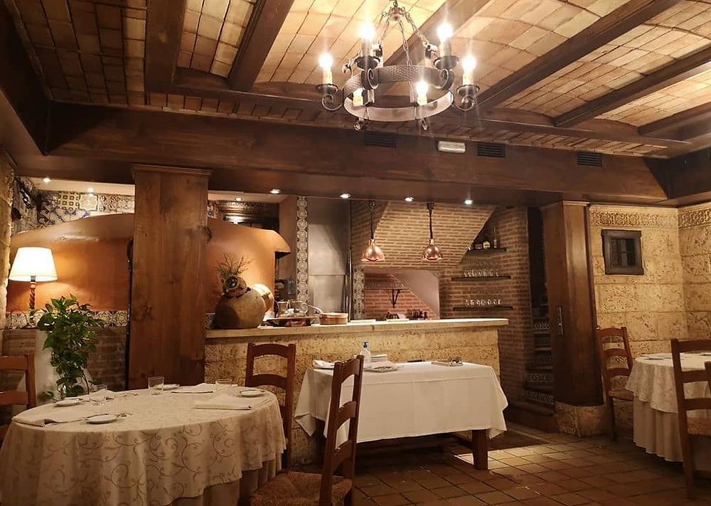 Comedor del restaurante El Pedrusco de Aldealcorvo.