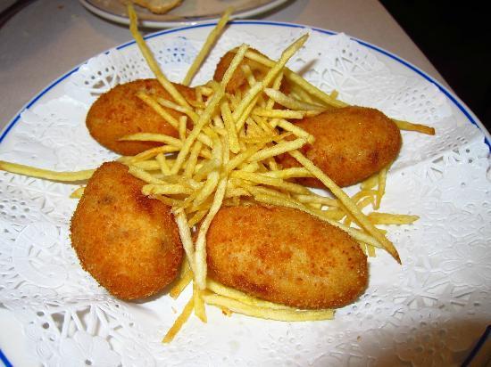 Plato de croquetas de La Máquina La Moraleja. Restaurante recomendado en Madrid