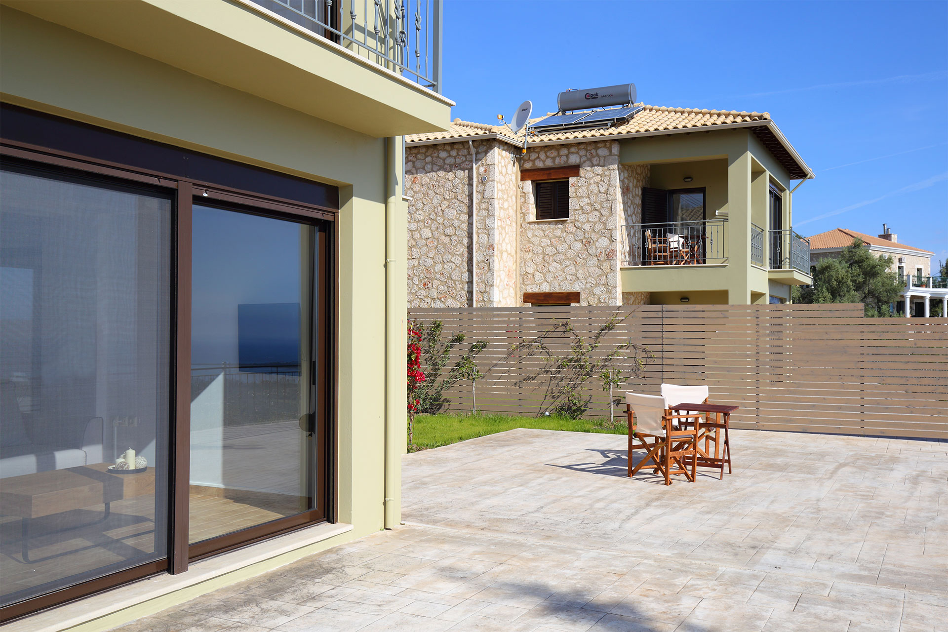 1 Classic villa 02.jpg