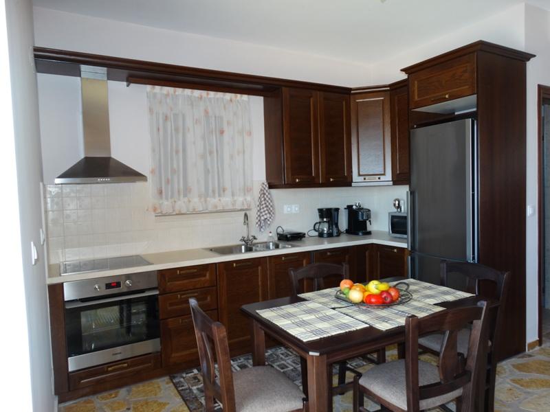 Alseides Villas I Kitchen.jpg