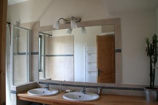 Salle de bain en haut