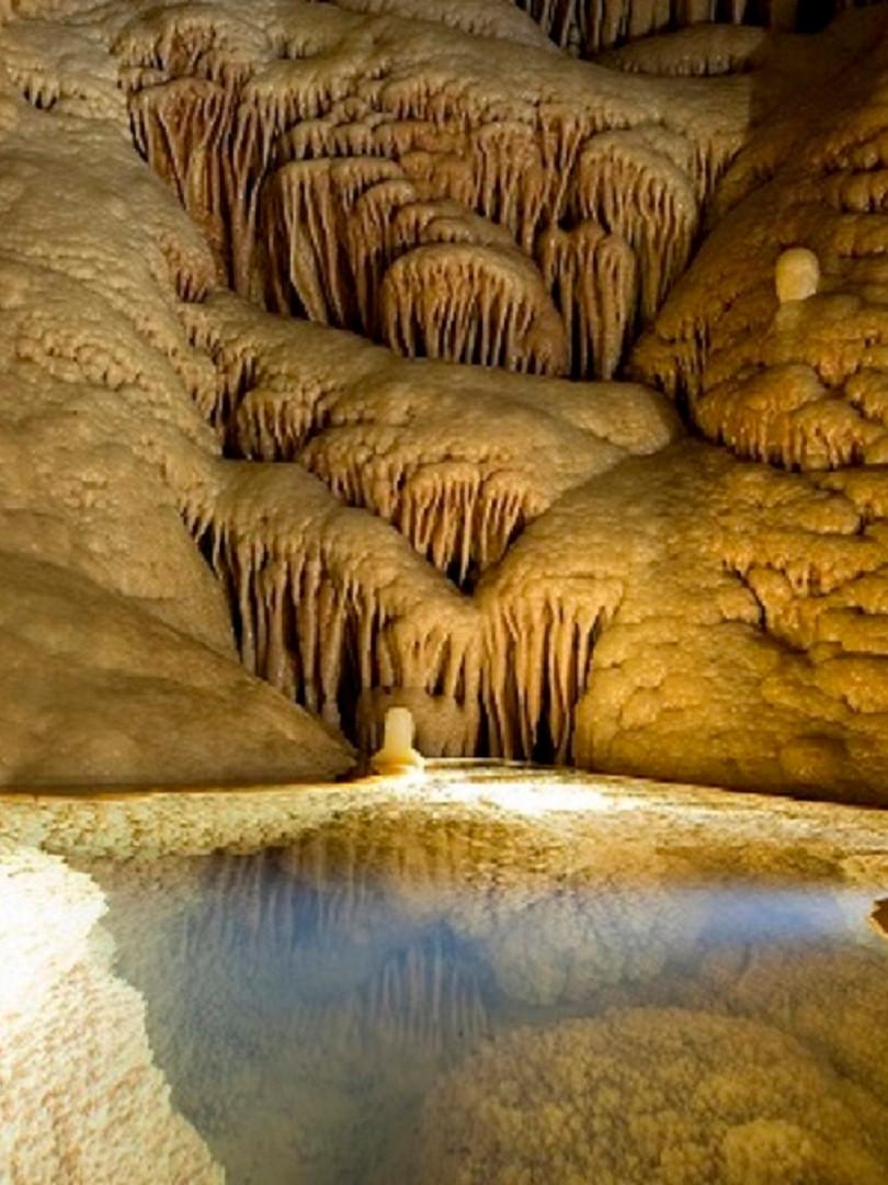 les grottes de Clamouse.jpg