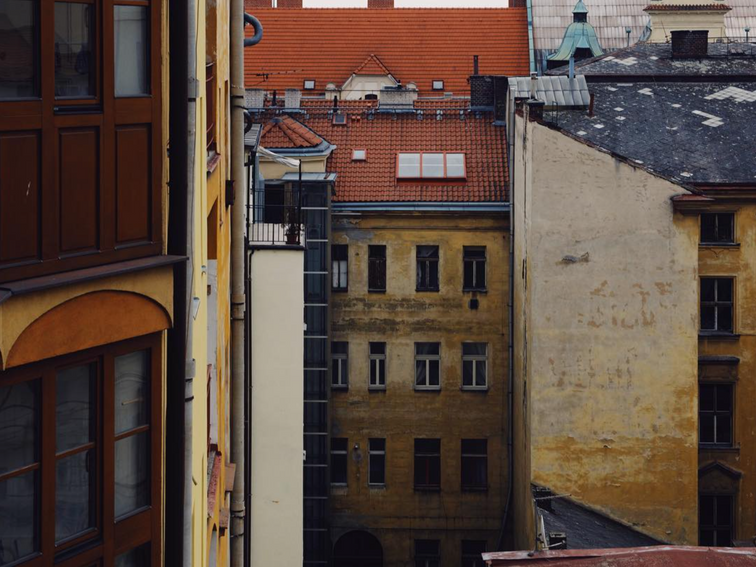 Polina-Shubkina-Prague-Roofs-Photos-007.