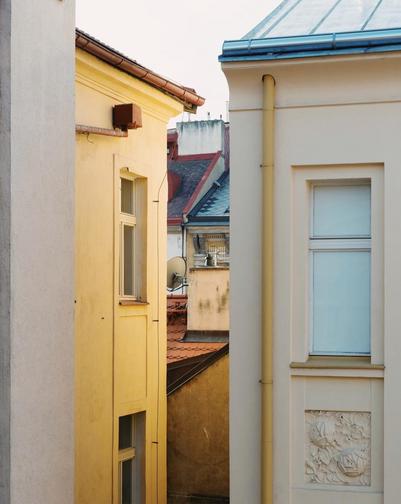 Polina-Shubkina-Prague-Roofs-Photos-017.