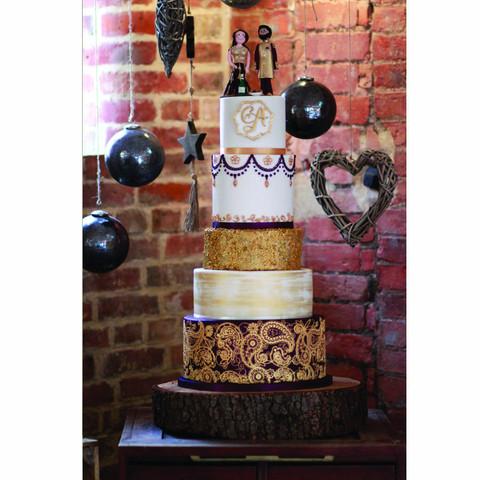 Henna inspired wedding cake