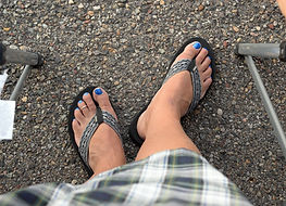 Blue toes and kilt on That Kilted Guy.com