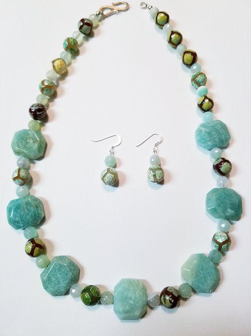 Kennady Necklace & Earrings