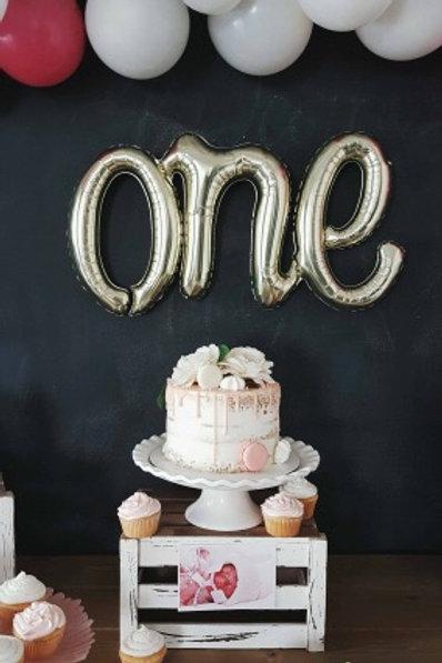 White ruffle cake stand
