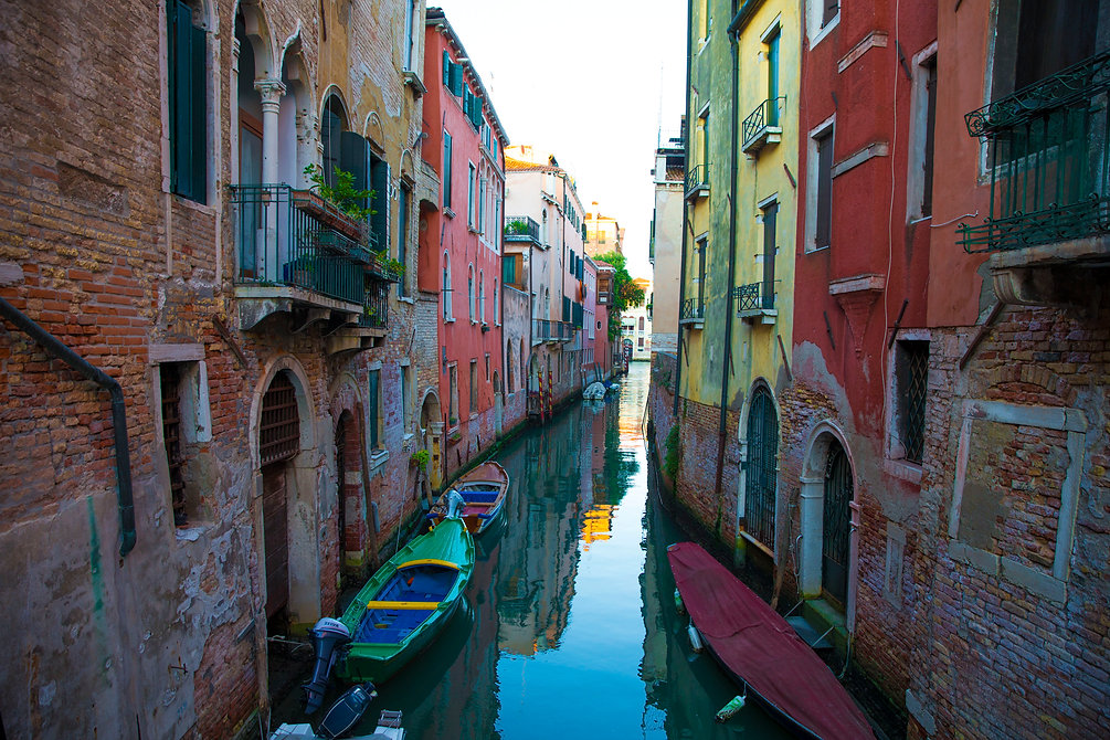 A side canal in Vinice, Italy