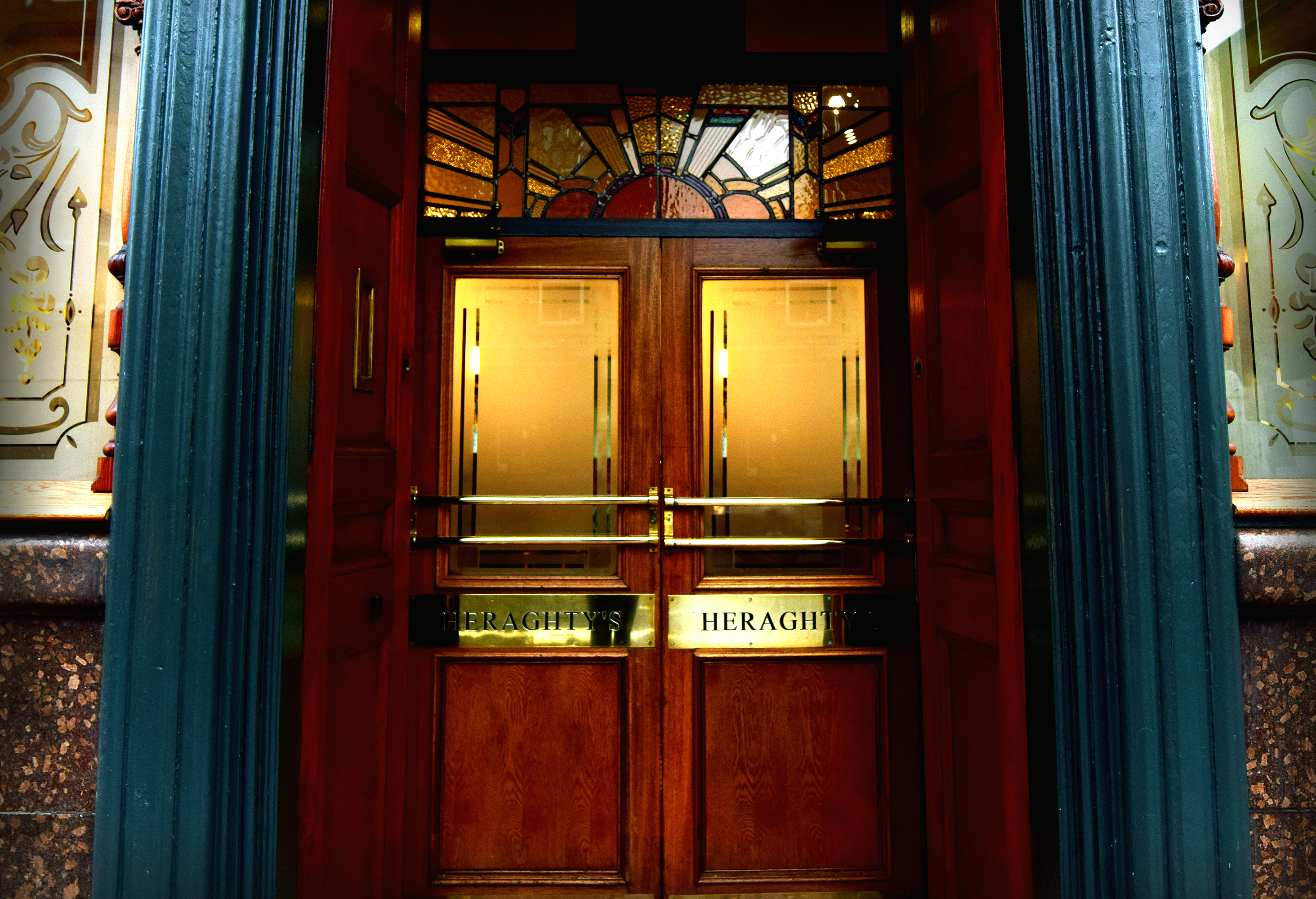 Heraghty' Bar friendly Irish bar
