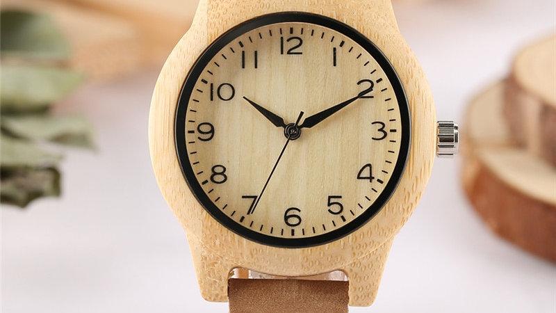 Relógio feminino de bambu com pulseira de couro genuíno em algarismo árabe