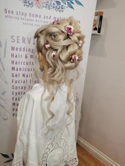 The Big Bridal Bun (+ accessories)