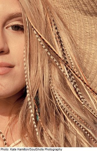 Hair feathers on blonde