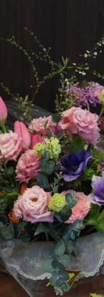 優しさと癒しを春の花を使って表現