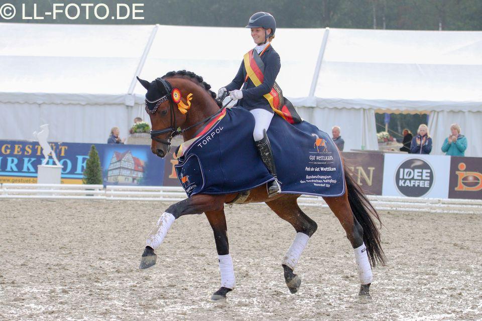 Fynch Hatton est le nouveau champion d'Allemagne des 4 ans. Etalon de dressage, France