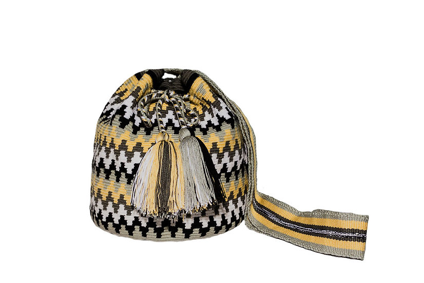 Traditional Wayuu Colombian bag with pompons kalekale