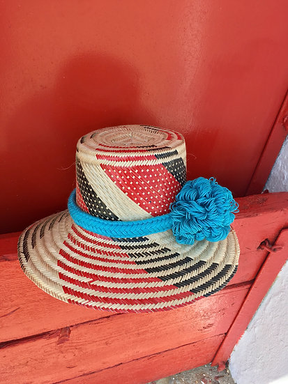 Colombian Wayuu hat | red Straw | Kalekale | frontal view
