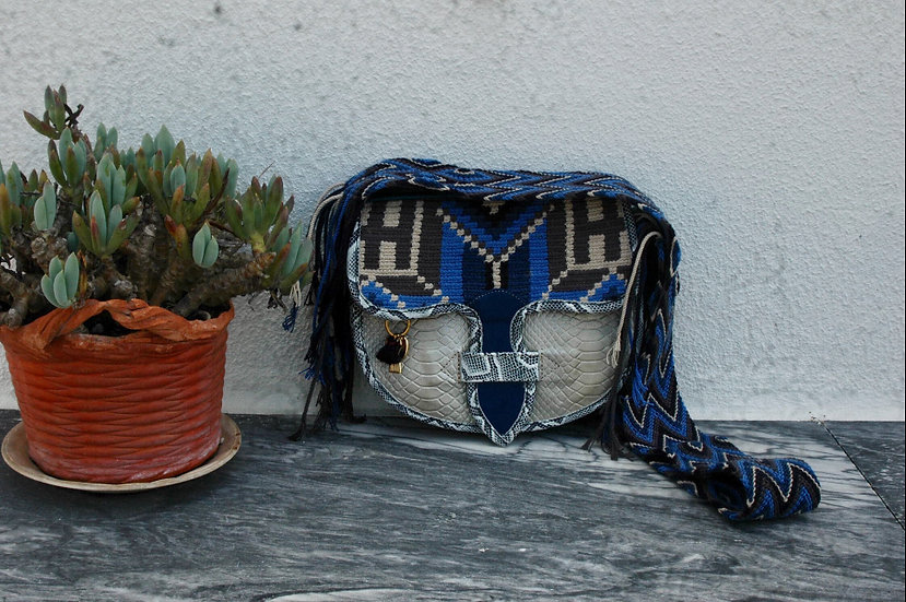 colombian wayuu leather bag blue and silver handcrafted by indigenous kale kale