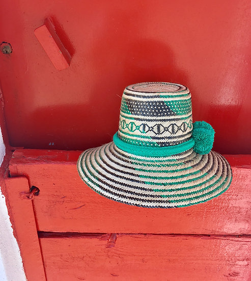 Colombian Wayuu hat | green Straw | Kalekale | frontal view