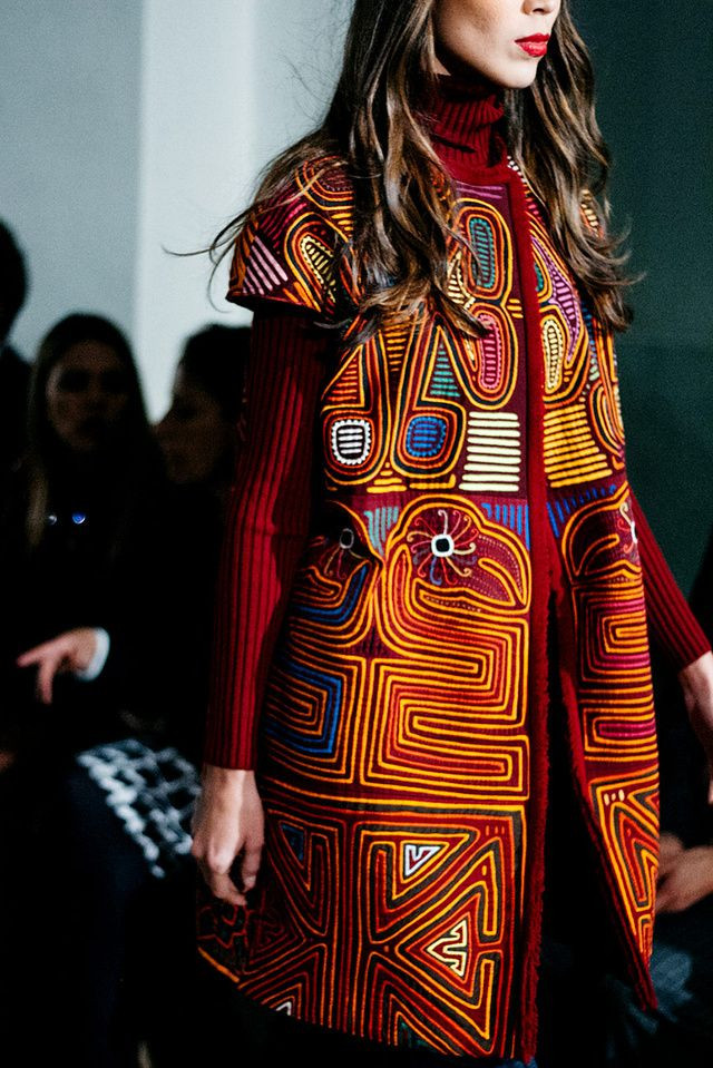 MOLAS: FASHION TRIBALISM