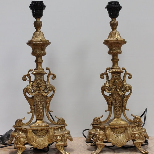 PAIR OF ANTIQUE FRENCH STYLE BRASS LAMPS - DECORATIVE DESIGN - C93