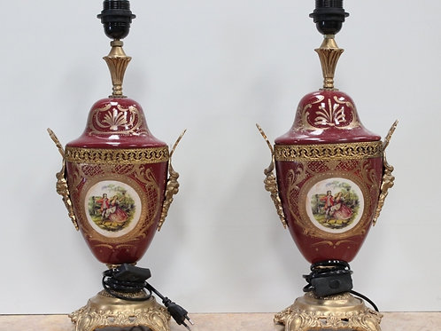 PAIR OF ANTIQUE FRENCH STYLE PORCELAIN RED LAMPS WITH BRASS BASE - C83